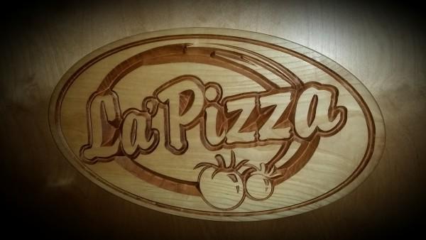 Aushängeschild aus Holz L'a Pizza