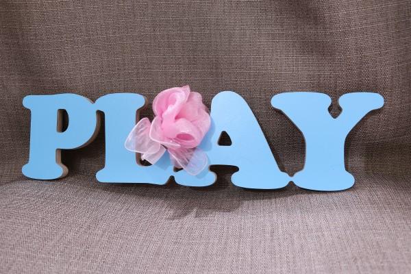 """Holzaufschrift """"Play"""""""
